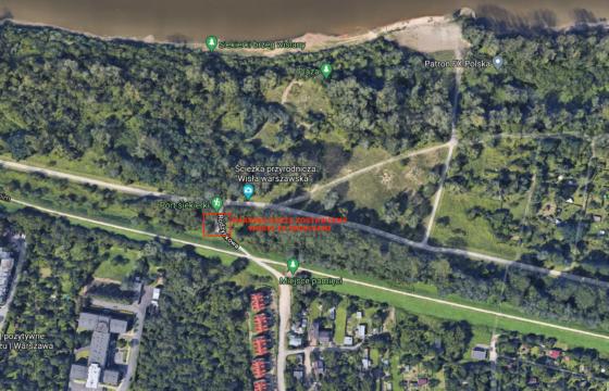 Mapa satelitarna osiedla Siekierki z wyraźnie oznaczonym miejscem - parking, gdzie zostawiamy worki ze śmieciami