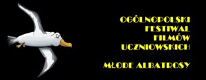 logotyp festiwalu Młode Albatrosy. Czarny prostokąt. po lewej stronie biała mewa, po prawej stronie napis Ogólnopolski Festiwal Filmów Uczniowskich Młode Albatrosy